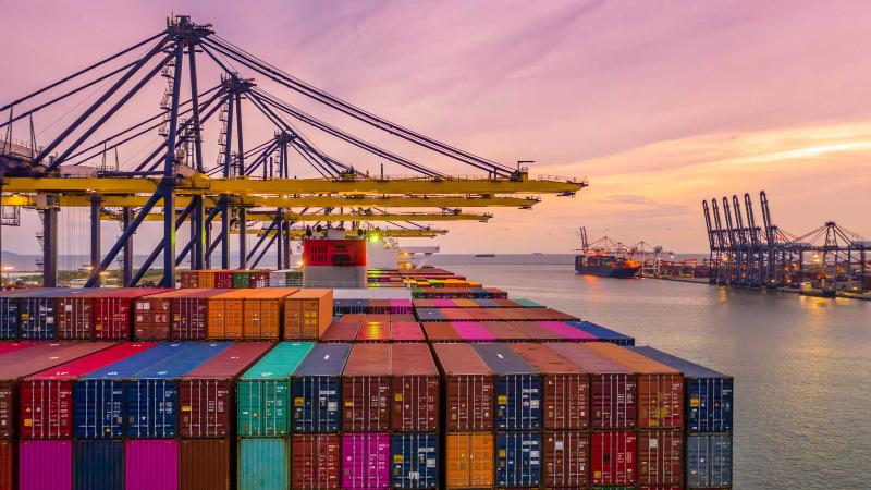 Informe Portuario 2020: el impacto de la pandemia del COVID-19 en el comercio marítimo, transbordo y throughput de los puertos de contenedores de América Latina y el Caribe –CEPAL